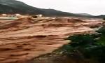 غريب : أمواج كأمواج البحر في فيضان واد